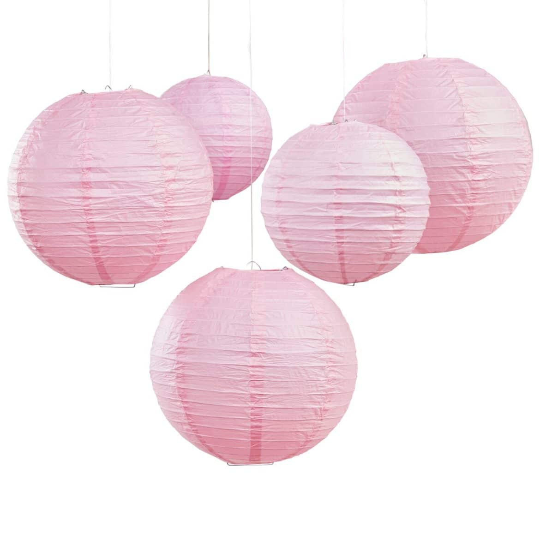 vaaleanpunaiset paperilyhdyt