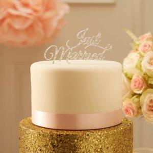 Just Married hopeinen kakkukoriste