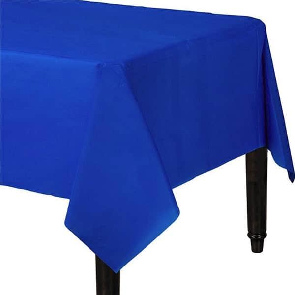 Sininen muovipöytäliina