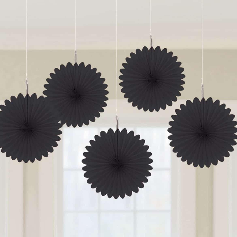 Mustat-pienet-paperiviuhkat-2