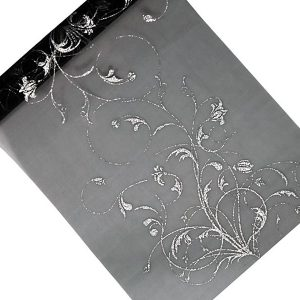 Organza musta hopeakuvioinnilla
