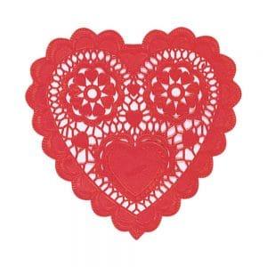 Punaiset sydämenmuotoiset kakkupaperit