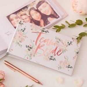 Floral Hen valokuvaalbumi