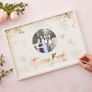 Team Bride kehysvieraskirja