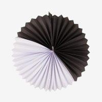 Mustavalkoinen paperiviuhka