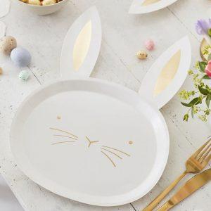 Pupu valkoiset lautaset