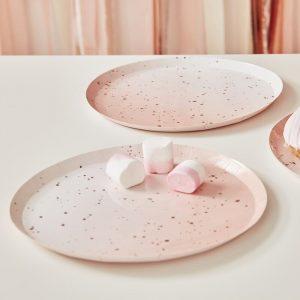 Ruusukultapilkulliset lautaset