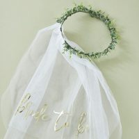 Bride to be huntu eukalyptuspannalla 2