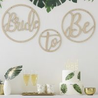 Bride to be puuympyrät
