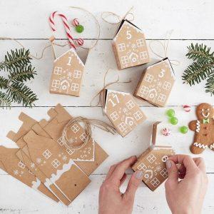 Kartonkiset piparkakkutalot joulukalenteri