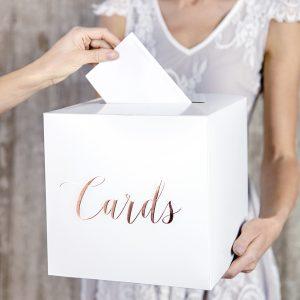 Cards korttilaatikko ruusukultaisella tekstillä
