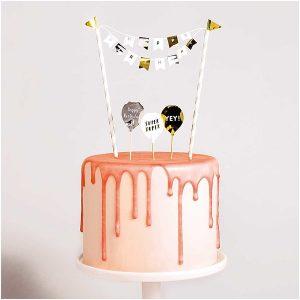 Kakkuviiri syntymäpäiväkakkuun, kulta-valkoinen