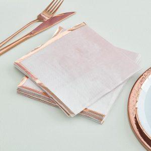 Vaaleanpunaiset lautasliinat ruuskultreuanlla, 16 kpl