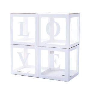 Näppärä ja näyttävä elementti rakentuu näiden laatikoiden avulla häihin, kihlajaisiin, kaikkiin LOVE-teemaisiin juhliin! Pakkauksessa on neljä itse kasattavaa laatikkoa ja tarrakiinnitteiset kirjaimet L, O, V, E. Laatikot voi täyttää teeman mukaisilla ilmapalloilla, konfeteilla tai paperikoristeilla ja hieno koriste on valmis. Laatikoiden koko kasattuna on 30 x 30 cm. Kasaus on helppo, ohjeet ovat pakkauksen mukana.