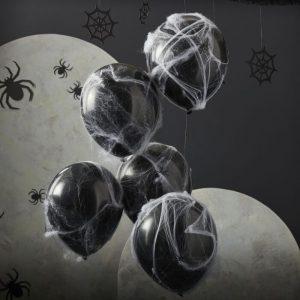 Mustat ilmapallot 5 kpl + seittiä ja hämähäkkejä